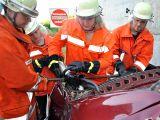 Einsatzübung: Radladerfahrer übersieht PKW