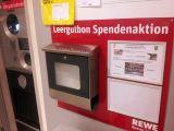 Leergutspendenaktion des REWE-Markts Tarmstedt